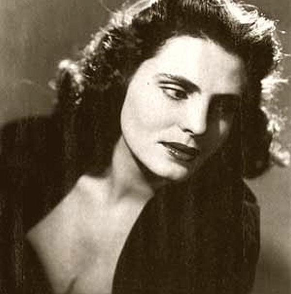 Amália Rodrigues murió en Lisboa el 6 de octubre de 1999