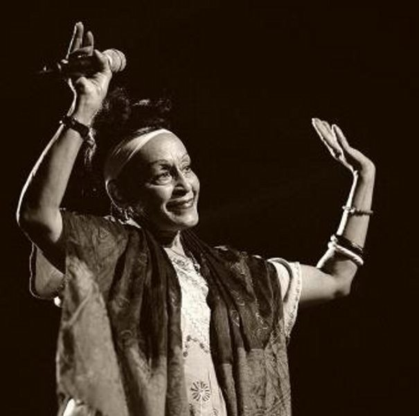 Omara Portuondo nació en La Habana el 29 de octubre de 1930