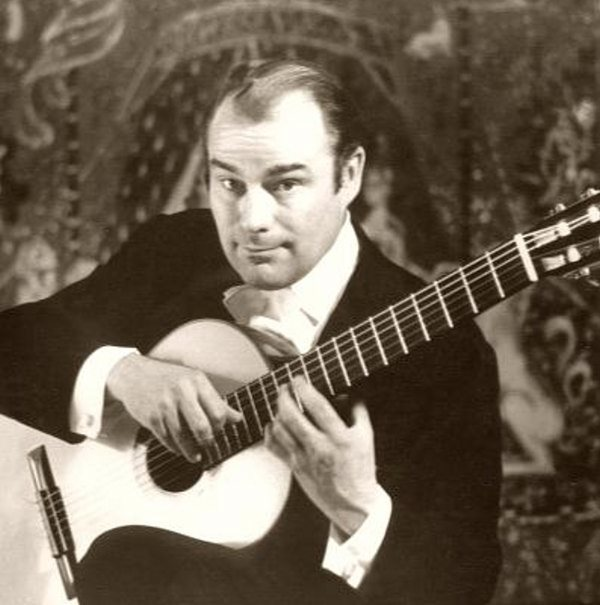 JULIAN BREAM