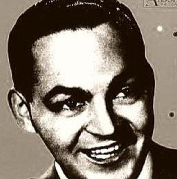 Dioris Valladares nació el 14 de agosto de 1916 en Villa Velásquez, San Pedro de Macorís, República Dominicana.