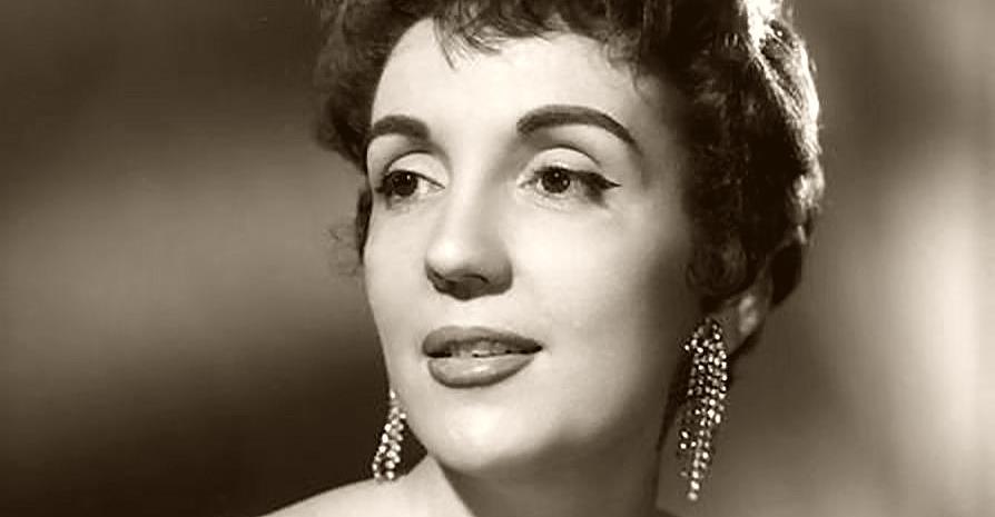 Gloria Lasso nació Villafranca del Penedés, España, el 25 de noviembre de 1922