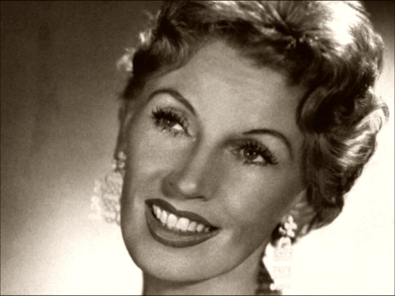 Lale Andersen nació en Bremerhaven, Alemania, el 23 de marzo de 1905
